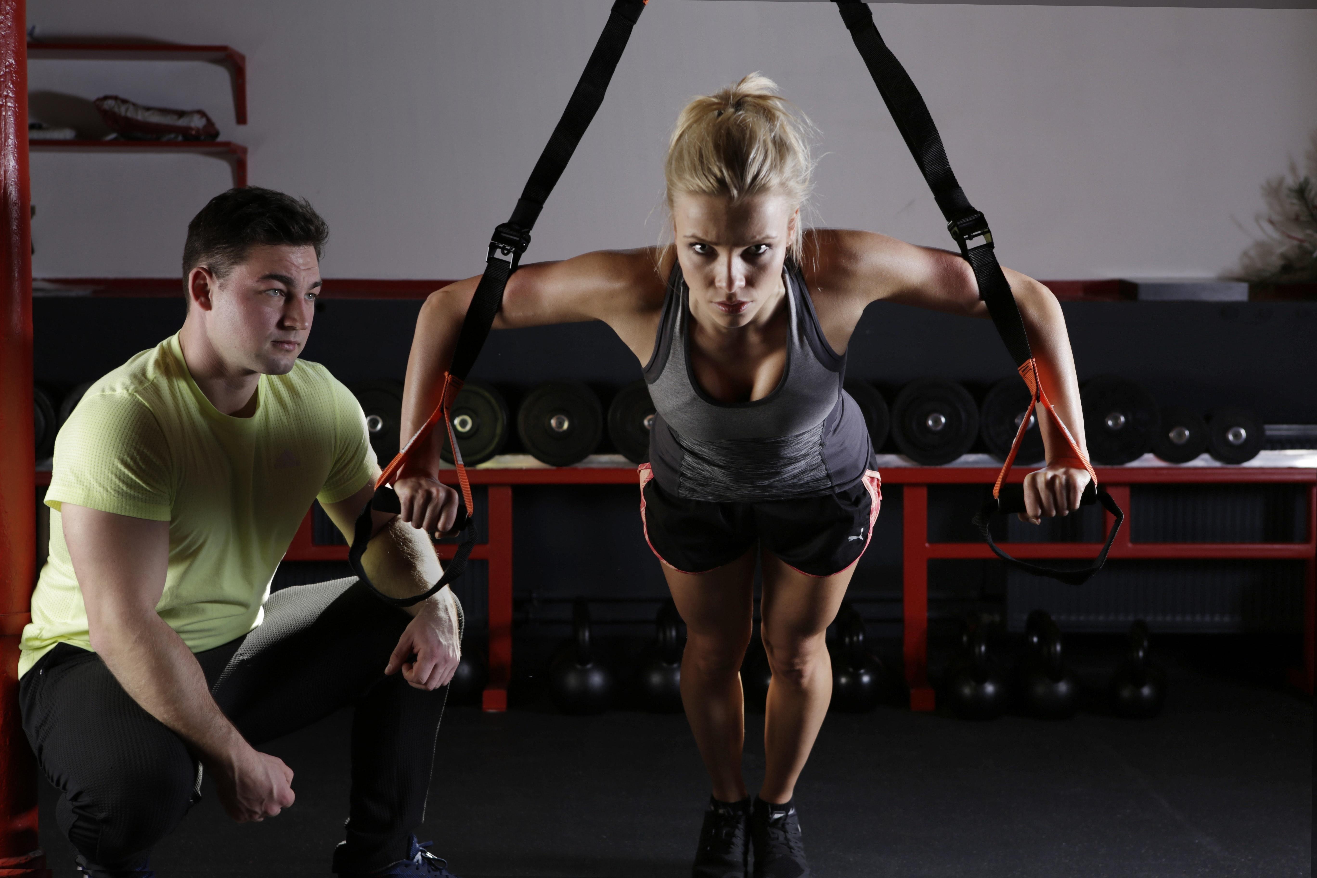 Par som tränar tillsammans.